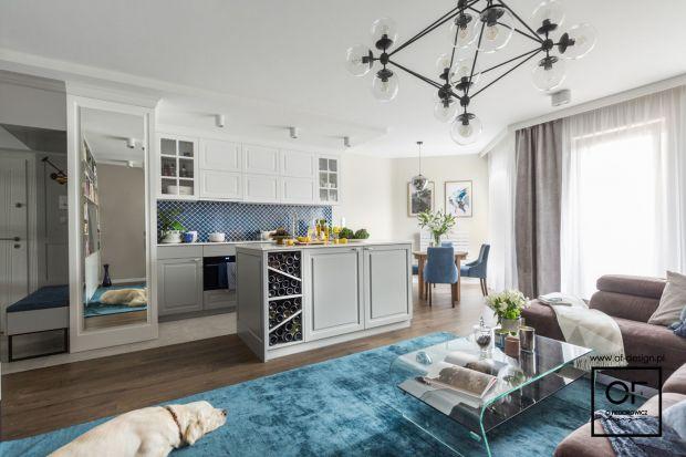 Salon z kuchnią - eklektyczna przestrzeń