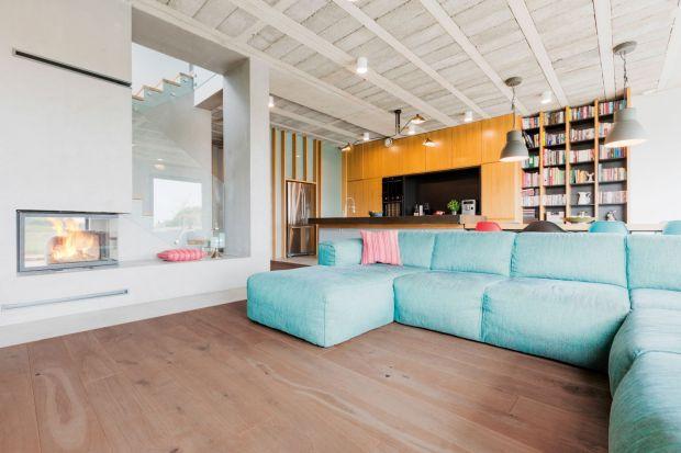 Aranżacja wnętrza - postaw na drewniana podłogę