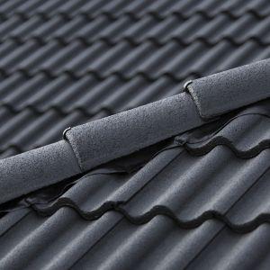 Konserwacja i malowanie dachu. Fot. Tikkurila