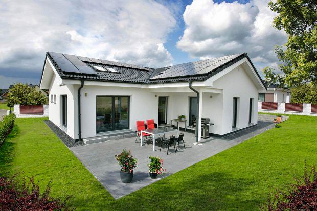 Ciepły dom zasilany energią słoneczną
