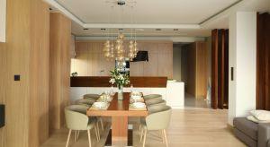 Zastanawiacie się jak urządzić jadalnię? Jaki kolor ścian wybrać? Jaki stół kupić czy krzesła? Mamy dla Was kilka praktycznych wskazówek i rad.