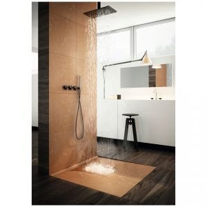 Brodzik podpłytkowy Slim Lux Stabilsound® jest alternatywnym wyborem zaaranżowania przestrzeni kąpielowej w każdej łazience.  Cena: od ok. 971 zł. Dostępny w ofercie firmy Schedpol. Fot. Schedpol.