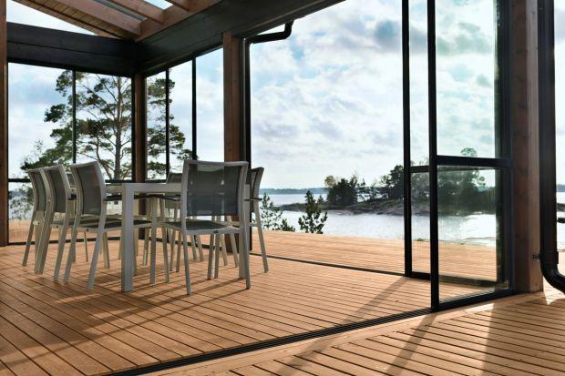 Jak zabezpieczyć drewno za zewnątrz domu?