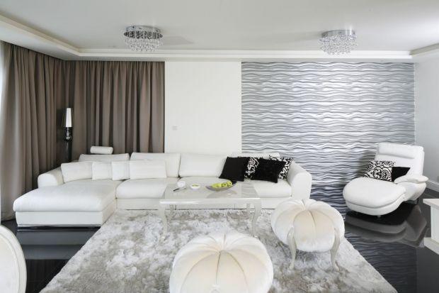 Jasny salon: piękne wnętrza w bieli i szarościach