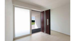 Aluminiowe drzwi wejściowe AT 400 są przeznaczone między innymi do domów energooszczędnych i pasywnych. Produkt zgłoszony do konkursu Dobry Design 2019.