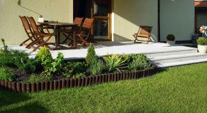 Tarasjest miejscem wypoczynku i wspólnego przebywania z bliskimi, warto więc zadbać o to, aby był nie tylko funkcjonalnie zaaranżowany, ale by i pod względem projektu współgrał z bryłą domu i koncepcją ogrodu.