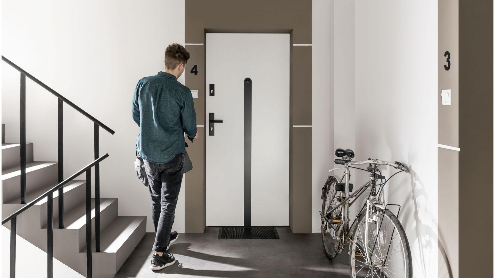 Drzwi wejściowe Doppio/VOX. Produkt zgłoszony do konkursu Dobry Design 2019.