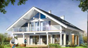 Nowoczesna architektura domu Otwartego, wpisana jednocześnie w klasyczną bryłę pokrytą dwuspadowym dachem, z pewnością przyciągnie uwagę większości inwestorów poszukujących idealnego projektu.