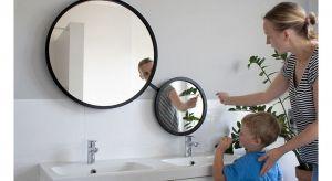 Podwójne lustro łazienkowe dla całej rodziny. Unikatowy, autorski system obrotowy umożliwia takie ustawianie lustra, aby było wygodne w użytkowaniu przez wszystkich domowników, bez względu na wzrost. Produkt zgłoszony do konkursu Dobry Design 201