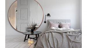 Duże okrągłe lustro w cienkiej ramce (tylko 12 mm szerokości). Minimalistyczna ponadczasowa forma sprawia że lustro jest uniwersalne - pasuje do wnętrz w różnych stylach, zarówno nowoczesnych, klasycznych, skandynawskich, industrialnych czy eklek
