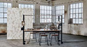 Stół Vagabond jest wielofunkcyjny. Kółka ułatwiają zmianę miejsca, dzięki czemu stół może służyć jako stół roboczy podczas spotkań lub biurko do pracy. Można również używać go jako stołu kuchennego w biurowej stołówce lub restaura