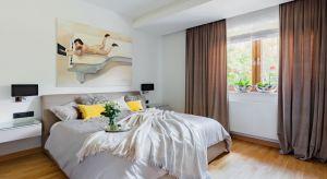 Jak urządzić piękną i klimatyczną sypialnię? Zobaczcie kilka ciekawych pomysłów polskich architektów i projektantów wnętrz.
