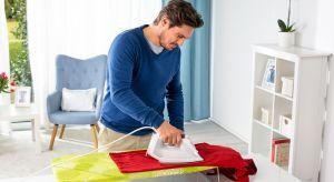 Masz za mało miejsca w mieszkaniu, by przechowywać duże deski do prasowania? A może często potrzebujesz przeprasować coś szybko, od ręki? Już nie musisz rozkładać stanowiska do prasowania – mała, poręczna deska załatwi sprawę.