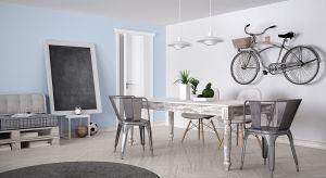 Mieszkanie w pojedynkę ma swoje zalety - jedną z nich jest to, że wnętrza można urządzić całkowicie po swojemu. Wystarczą przemyślane rozwiązania i odrobina kreatywności, by nawet niewielką przestrzeń zaaranżować tak, by była w pełni fun