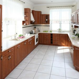 Kuchnia w stylu klasycznym. Projekt: Małgorzata Goś. Fot. Bartosz Jarosz