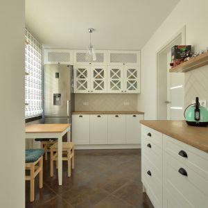 Kuchnia w stylu klasycznym. Projekt i zdjęcia: Szymon Kamiński / Koncept Beautiful Inside