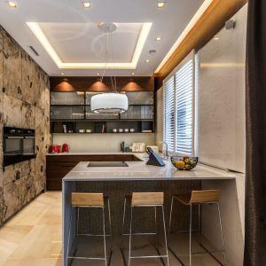 Rodzinny apartament na Saskiej Kępie - kuchnia. Projekt: Viva Design. Fot. Dekorian Home