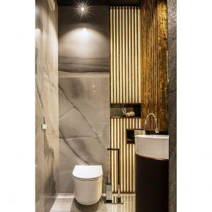 Rodzinny apartament na Saskiej Kępie - toaleta. Projekt: Viva Design. Fot. Dekorian Home