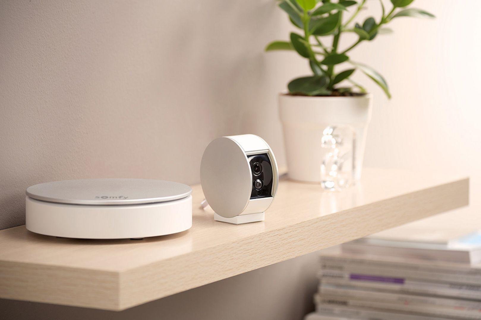 Kamera wewnętrzna/Somfy. Produkt zgłoszony do konkursu Dobry Design 2019.