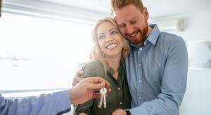 Mieszkanie zakupione na rynku pierwotnym, choć pełne zalet, nie jest też pozbawione wad. Długo wyczekiwane lokum dostępne jest w wariancie surowym lub z różnymi opcjami wykończenia.