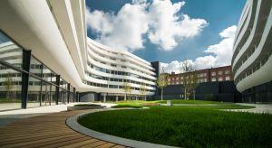 Wrocław to styl życia, który zasługuje na uwiecznienie w architektonicznej formie - uznał architekt Asaf Gottesman. Ta myśl zainspirowała go do stworzenia koncepcji OVO Wrocław – multifunkcjonalnego obiektu o futurystycznej formie, który płynn