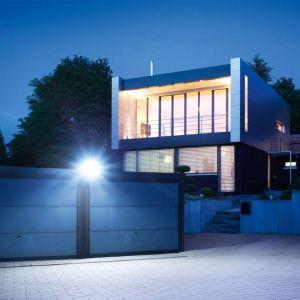 Inteligentne światło firmy Steinel. Fot. Steinel/Lange Łukaszuk