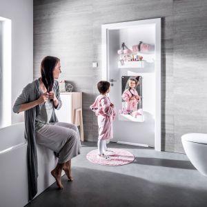 Drzwi Smart dają możliwość personalizacji poprzez dołączenie dodatkowych elementów – tablicy, pojemników, wieszaków, pasków lub lustra. Fot. VOX
