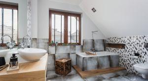 Zgłaszając się do arch. Agnieszki Hincz inwestorzy wiedzieli, że chcą łazienki w stylu industrialnym, ale jednocześnie takiej, która wyrażałaby ich osobowość. Architekt stworzyła wnętrze, w którym wyraźnie odczuwa się atmosferę pofabrycz