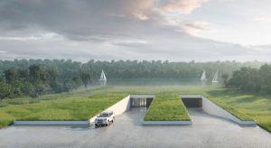 Głównym założeniem projektu i podstawowym wymogiem inwestora było wkomponowanie budynku w otaczający krajobraz. Ponieważ dom miał stanąć na kwietnej łące, została ona wykorzystana, jako piąta elewacja budynku.