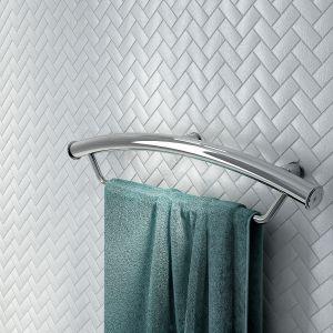 Przyścienny uchwyt stalowy Vital zapewniający bezpieczeństwo a łazience pełni również rolę estetycznego wieszaka na ręcznik. Cena: 339 zł. Fot. Deante