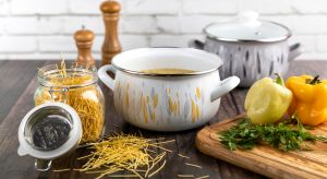 Nie zawsze pamiętamy, że równie istotne jak odpowiednio zbilansowane posiłki, jest to, w czym je przygotowujemy - dlatego warto wyposażyć kuchnię w garnki, które zapewnią najzdrowsze gotowanie.