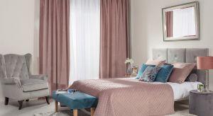 Aby uprzyjemnić sobie wstawanie jesienią, zadbaj o odpowiednią metamorfozę sypialni. Przytulność, miękkie materiały, funkcjonalne akcesoria – wystarczy, że wprowadzisz we wnętrzach kilka zmian, by dobrze zacząć dzień.