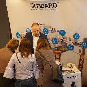 Stoisko firmy FIBARO - partnera głównego spotkania