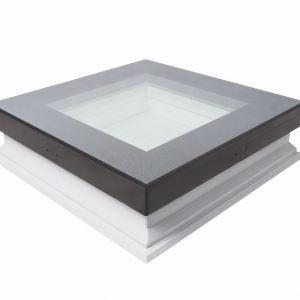 Okno do dachów płaskich DXW, z możliwością chodzenia po jego powierzchni/FAKRO. Produkt zgłoszony do konkursu Dobry Design 2019.