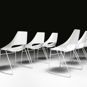 Krzesła z trzech nowych kolekcji: Cuba, Echo i Lola. Fot. Dekorian Home