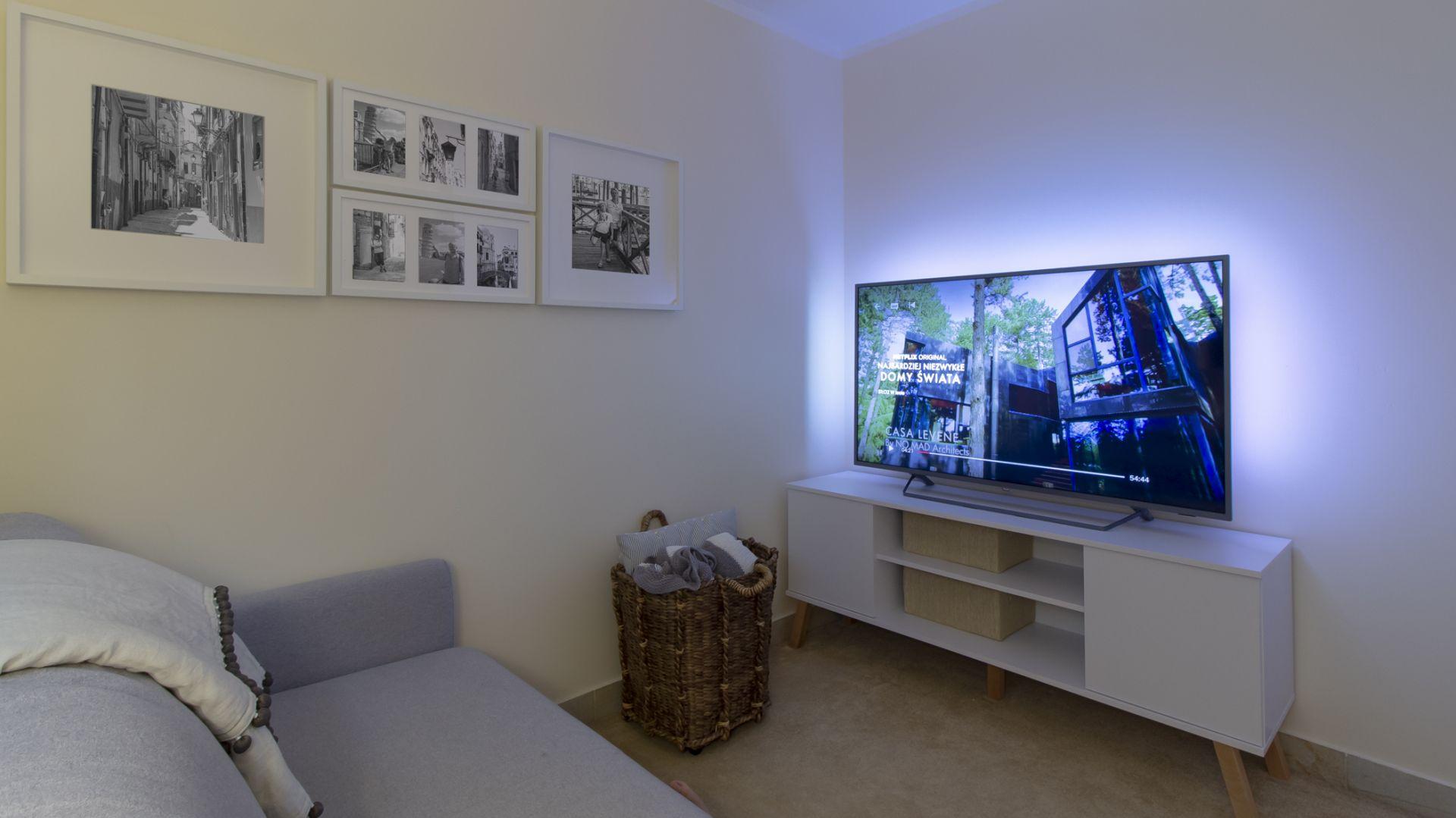 Ścianka telewizyjna - pomysł na malowanie. Fot. Bondex