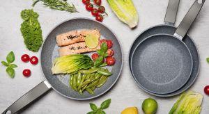 Aby zawsze mieć w zasięgu ręki funkcjonalną patelnię, w której sprawnie przyrządzimy nasze posiłki, musimy zaopatrzyć się w naczynia najwyższej jakości, w odpowiadających nam wymiarach, wyposażone w praktyczne rozwiązania.