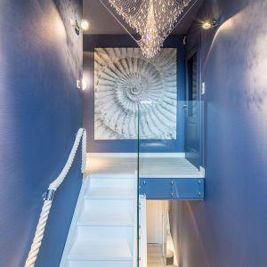 Dwupoziomowe mieszkanie w kołobrzeskim porcie. Projekt: Monika Buśko-Kuś. Fot. Concept Architektura Wnętrz