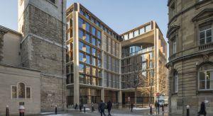 Otwarta w tym roku w londyńskim City europejska siedziba firmy Bloomberg, światowego potentata w dziedzinie mediów, danych finansowych i oprogramowania, została uhonorowana prestiżową Nagrodą Stirlinga RIBA, przyznawaną przez Królewski Instytut A