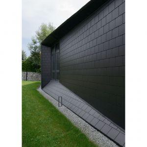 Czarna Skała - wyjątkowy jednorodzinny dom na zboczu góry w Bielsku-Białej. Projekt: MUS Architects. Fot. Tomasz Zakrzewski