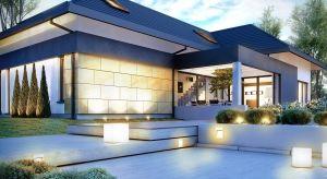 Niebanalna i efektowna elewacja może nadać bryle budynku nowoczesny wygląd, a także poprawić jej proporcje. Na co zwrócić uwagę wybierając materiały elewacyjne, aby nasz dom podążał za najnowszymi trendami, a przy tym przez długi czas wyglą