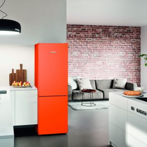 Chłodziarko-zamrażarka CNno4313 w kolorze Neon Orange. Fot. Liebherr