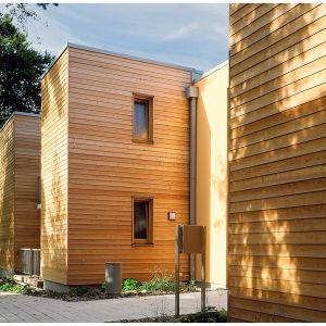 W zależności od planowanego miejsca użytkowania impregnowanego drewna nadawana jest odpowiednia klasa jego zabezpieczenia. W nowych, europejskich normach nasycania drewna wyodrębnionych zostało pięć klas zabezpieczenia. Fot. DLH Poland