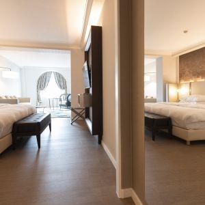 Winylowa podłoga marki Pergo z kolekcji Classic Plank w hotelu Radisson Blu w Antwerpii. Fot. Pergo
