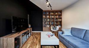 Niewielkie mieszkanie o powierzchni niespełna 40 m² jest wygodne i funkcjonalne. Projektanci postarali się, by wykorzystać każdy centymetr dostępnej przestrzeni i nadać jej wyrazisty charakter.