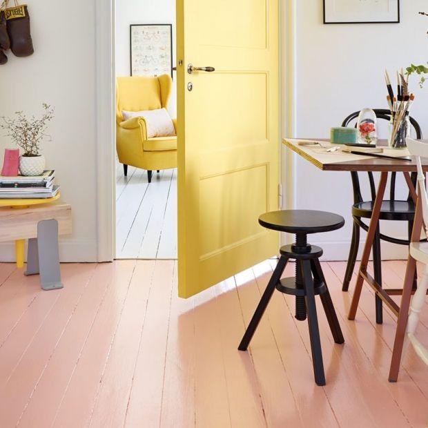 Drewniana podłoga - tak można ją odnowić