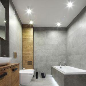 Oświetlenie LED w łazience. Projekt: Katarzyna Walawska. Fot. Bartosz Jarosz