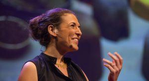 Adital Ela - światowej sławy ekspertka od designu zrównoważonego, wykładowczyni Holon Insitutue of Technology, a także jedna z najciekawszych europejskich innowatoreki mówczyni TED - będzie jednym z gości tegorocznego Forum Dobrego Designu.