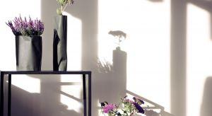 """Kwiaty to jeden z najpiękniejszych """"elementów dekoracyjnych"""" we wnętrzu. Otaczajmy się nimi, szczególnie w sezonie jesienno-zimowym, kiedy za oknem ubywa zieleni i soczystych, letnich barw."""