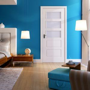 W kolekcji drzwi malowanych Graf sześć wzorów; szeroka paleta ekologicznych barw akrylowych. Fot Pol-Skone